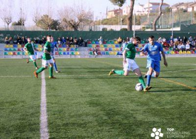 Cambio de pavimento del campo de fútbol – Badia del Vallès